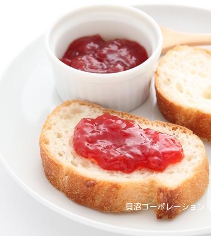 完熟いちごとパン